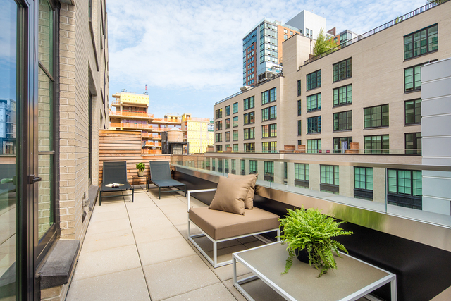 2 Bedrooms, Hell's Kitchen Rental in NYC for $7,028 - Photo 1
