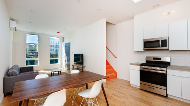 3 Bedrooms, Williamsburg Rental in NYC for $6,000 - Photo 1