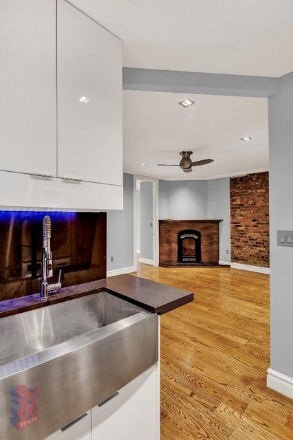 3 Bedrooms, East Village Rental in NYC for $5,953 - Photo 1