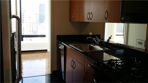 1 Bedroom, Upper East Side Rental in NYC for $5,200 - Photo 2