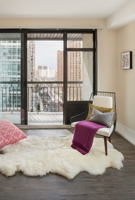 1 Bedroom, Yorkville Rental in NYC for $4,135 - Photo 2