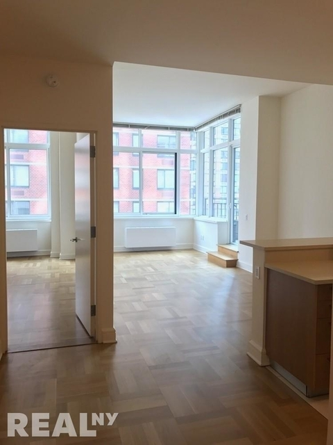Studio, Lincoln Square Rental in NYC for $4,695 - Photo 2