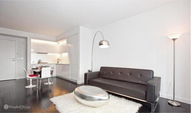 1 Bedroom, Financial District Rental in NYC for $4,295 - Photo 2