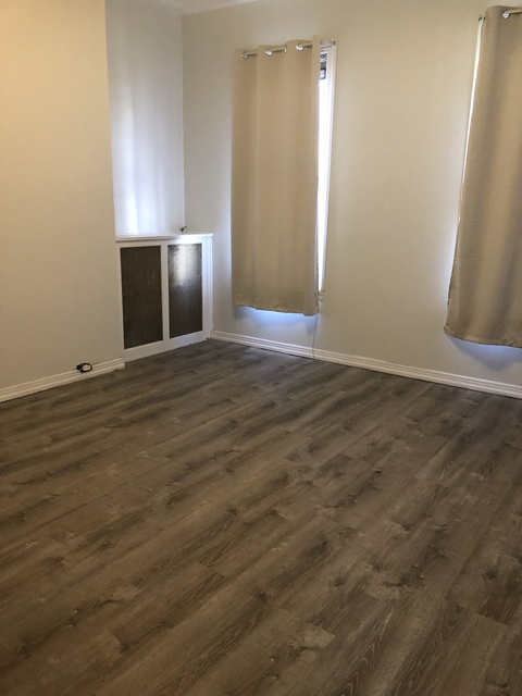 3 Bedrooms, Astoria Rental in NYC for $2,975 - Photo 2