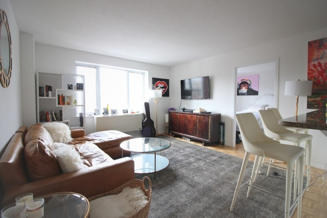 2 Bedrooms, Chelsea Rental in NYC for $5,294 - Photo 1