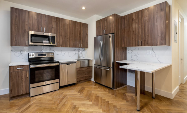 5 Bedrooms, Crown Heights Rental in NYC for $5,927 - Photo 2