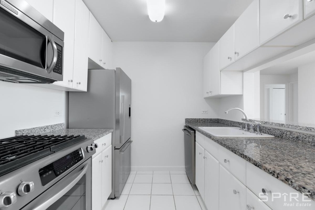 2 Bedrooms, Greenwich Village Rental in NYC for $7,670 - Photo 2