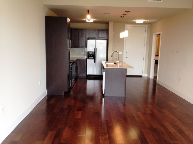 1 Bedroom, Memorial Heights Rental in Houston for $1,992 - Photo 2