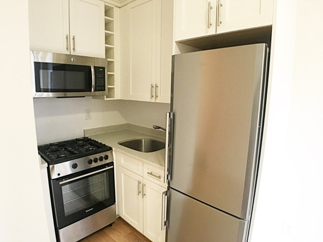 Studio, Upper West Side Rental in NYC for $2,348 - Photo 2