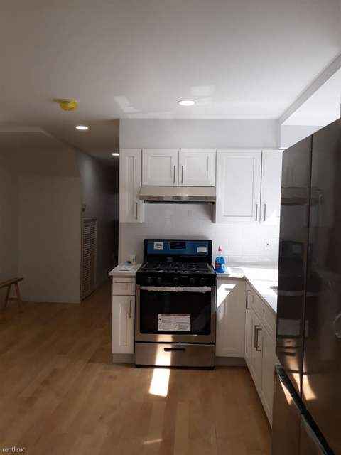 3 Bedrooms, Kensington Rental in NYC for $2,650 - Photo 2