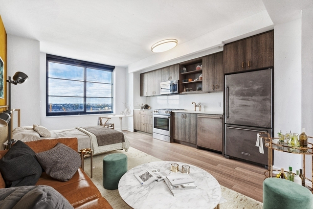 Studio, Hell's Kitchen Rental in NYC for $3,939 - Photo 1