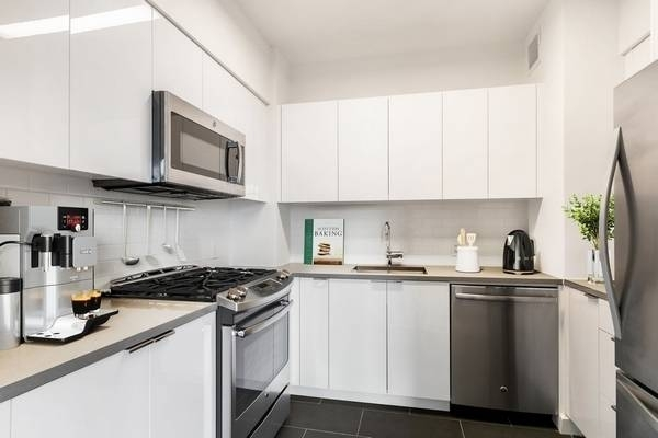 Studio, Downtown Brooklyn Rental in NYC for $3,260 - Photo 2