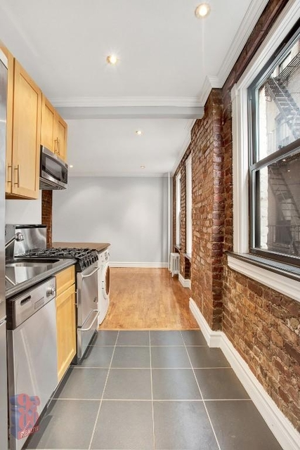 2 Bedrooms, East Village Rental in NYC for $3,780 - Photo 2