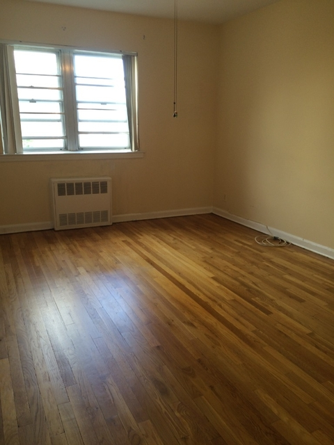 1 Bedroom, Steinway Rental in NYC for $1,300 - Photo 1
