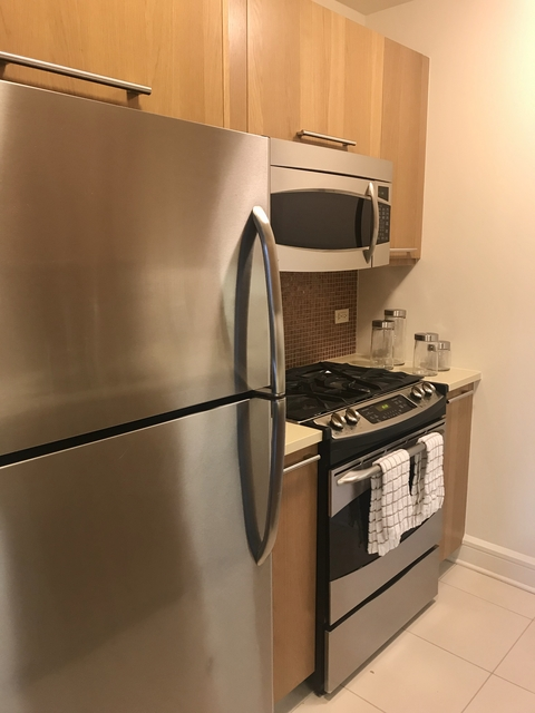 1 Bedroom, Lincoln Square Rental in NYC for $4,060 - Photo 2