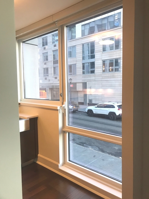 Studio, Lincoln Square Rental in NYC for $3,145 - Photo 2