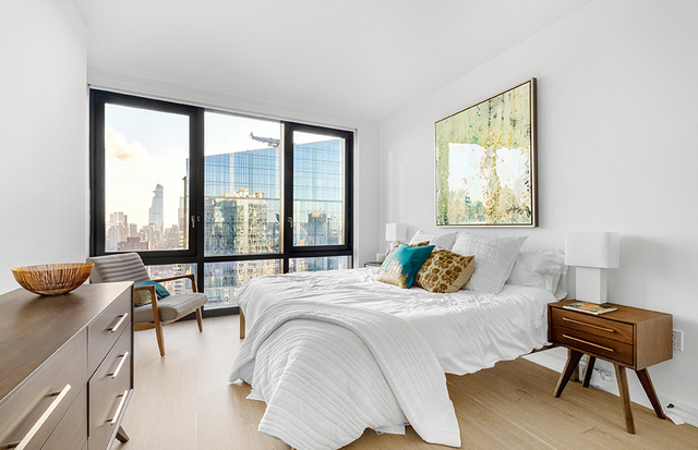 3 Bedrooms, Lincoln Square Rental in NYC for $8,838 - Photo 2