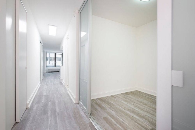 Studio, Financial District Rental in NYC for $2,685 - Photo 2