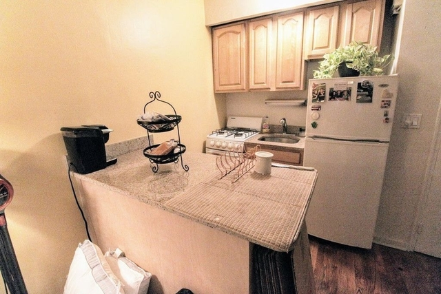 1 Bedroom, Turtle Bay Rental in NYC for $2,400 - Photo 2