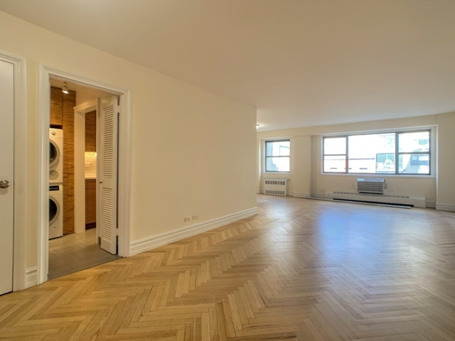 2 Bedrooms, Upper East Side Rental in NYC for $5,450 - Photo 2