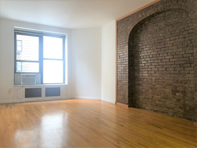 Studio, Theater District Rental in NYC for $2,495 - Photo 1