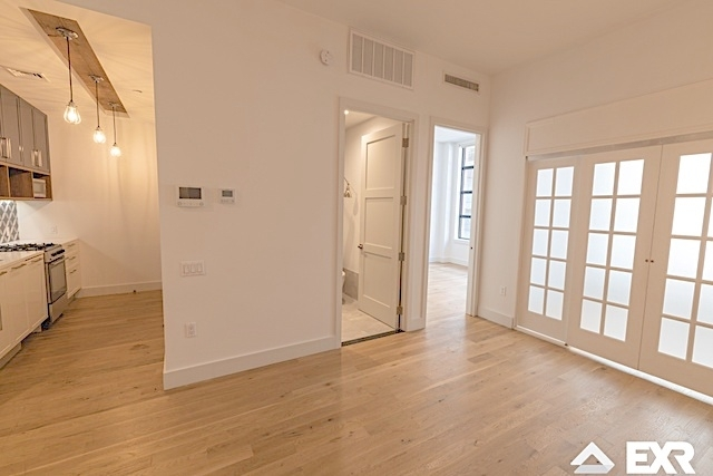 1 Bedroom, Long Island City Rental in NYC for $2,765 - Photo 2