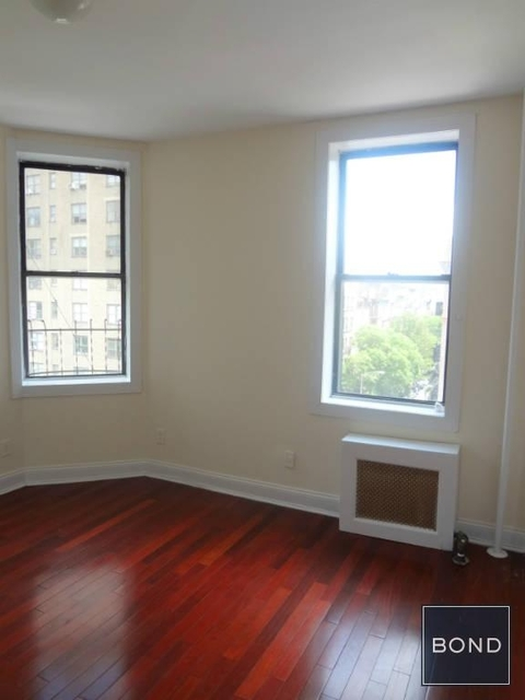 2 Bedrooms, East Village Rental in NYC for $4,475 - Photo 2