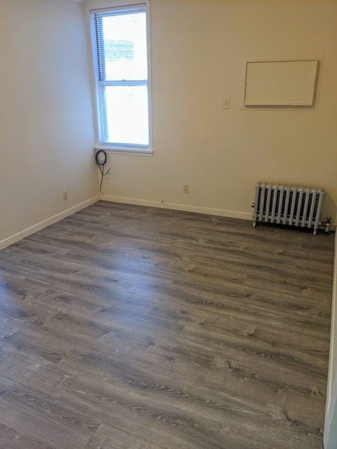 2 Bedrooms, Astoria Rental in NYC for $2,100 - Photo 1