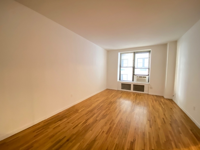 2 Bedrooms, Theater District Rental in NYC for $38,650 - Photo 2