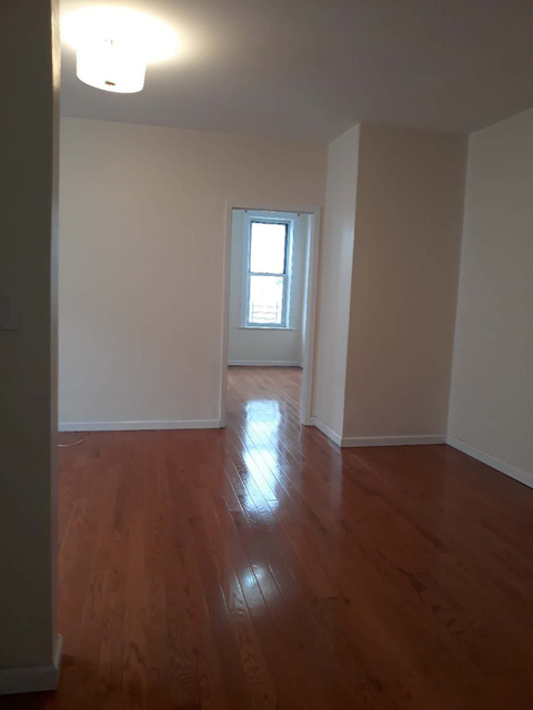 2 Bedrooms, Dyker Heights Rental in NYC for $1,800 - Photo 1