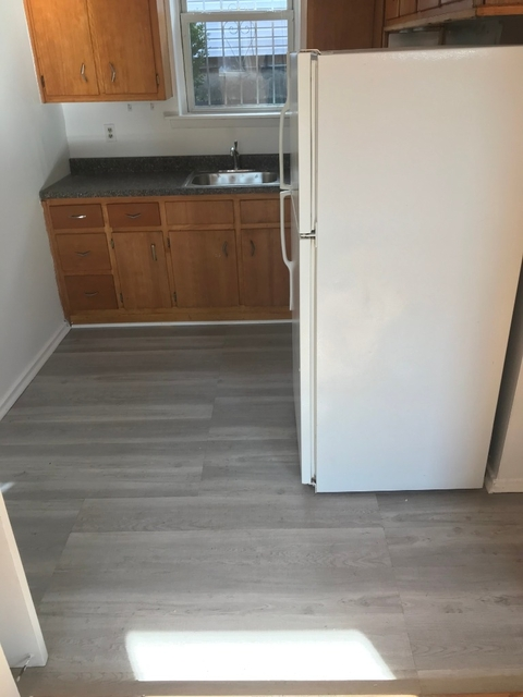 2 Bedrooms, Astoria Heights Rental in NYC for $2,000 - Photo 1