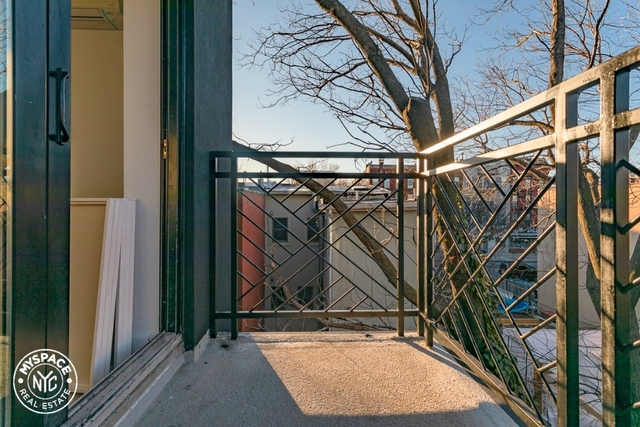 3 Bedrooms, Bedford-Stuyvesant Rental in NYC for $2,731 - Photo 2