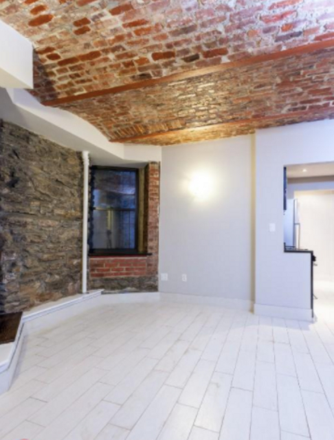 2 Bedrooms, Gramercy Park Rental in NYC for $3,840 - Photo 2