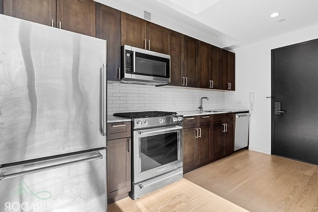 Studio, Lincoln Square Rental in NYC for $2,795 - Photo 2