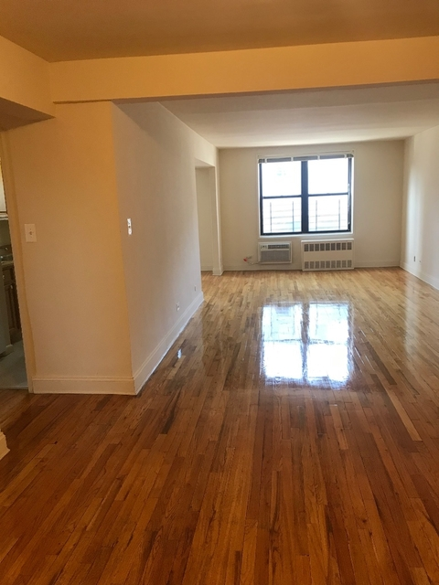 2 Bedrooms, Rego Park Rental in NYC for $2,700 - Photo 1