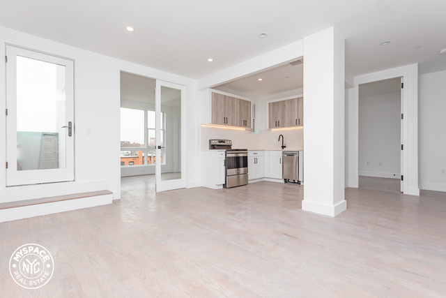4 Bedrooms, Flatbush Rental in NYC for $875 - Photo 1