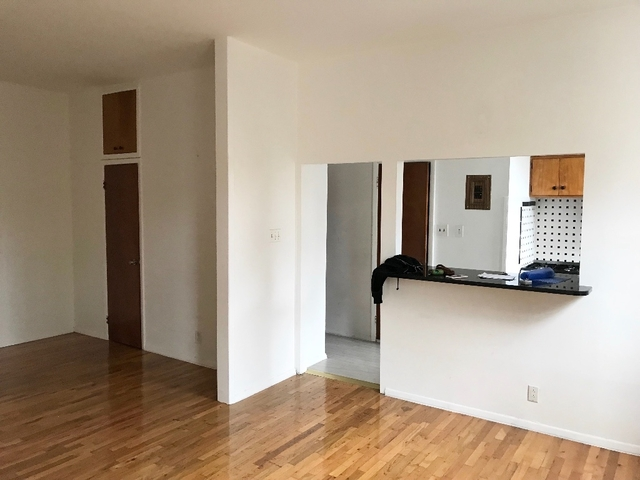 Studio, Greenpoint Rental in NYC for $2,500 - Photo 2
