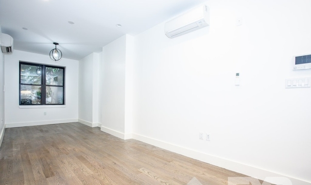 1 Bedroom, Crown Heights Rental in NYC for $2,567 - Photo 2