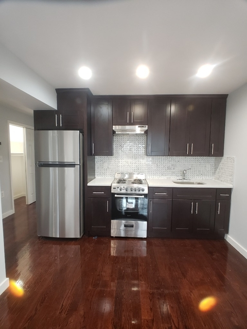 3 Bedrooms, Astoria Heights Rental in NYC for $2,800 - Photo 2