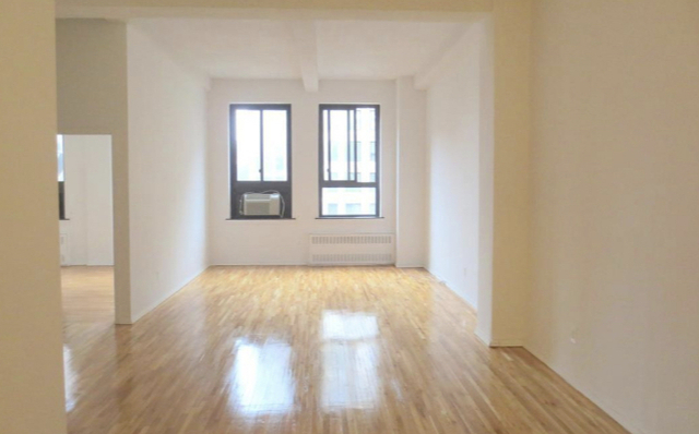 2 Bedrooms, Midtown East Rental in NYC for $5,295 - Photo 1