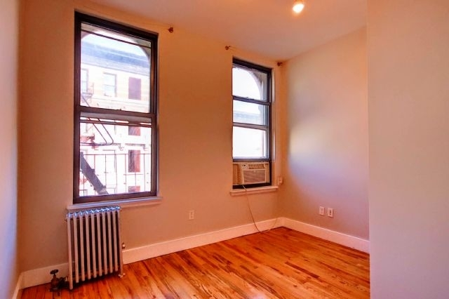 2 Bedrooms, East Village Rental in NYC for $2,725 - Photo 2