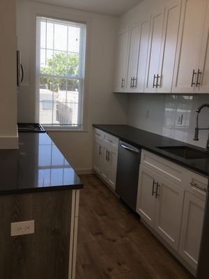 2 Bedrooms, Middle Village Rental in NYC for $2,300 - Photo 2