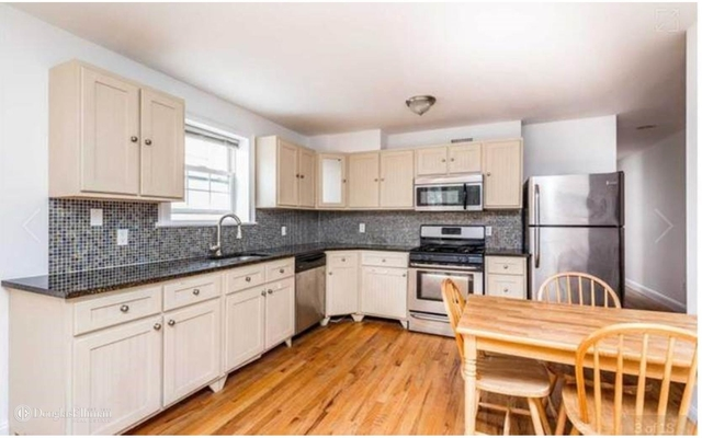 2 Bedrooms, Maspeth Rental in NYC for $2,300 - Photo 2