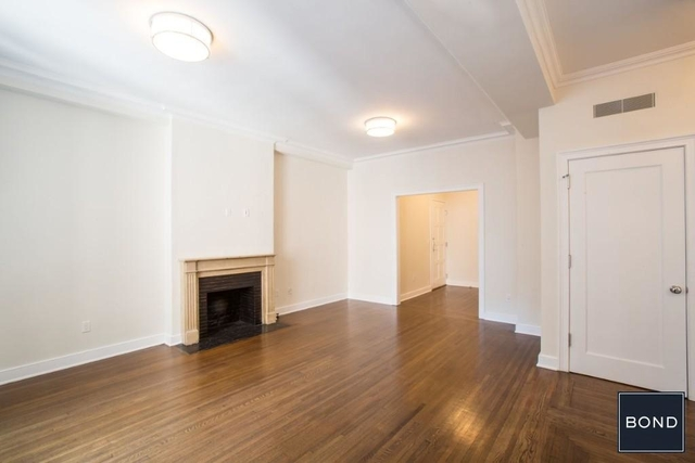 3 Bedrooms, Carnegie Hill Rental in NYC for $12,000 - Photo 2
