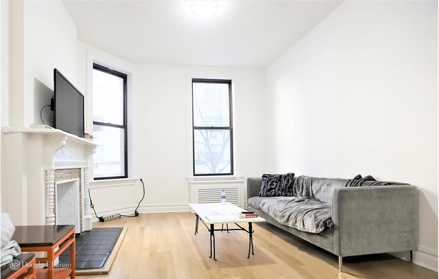 2 Bedrooms, Carnegie Hill Rental in NYC for $5,100 - Photo 2