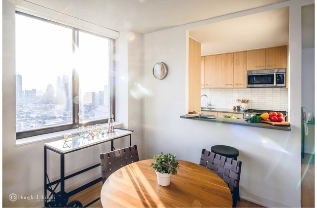 1 Bedroom, Hell's Kitchen Rental in NYC for $5,100 - Photo 2