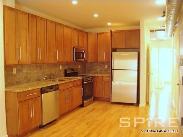 4 Bedrooms, SoHo Rental in NYC for $8,000 - Photo 2