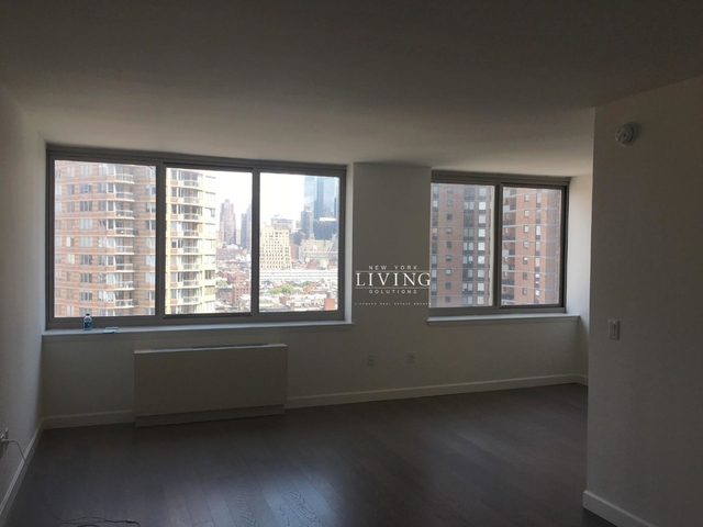 Studio, Hell's Kitchen Rental in NYC for $3,450 - Photo 2