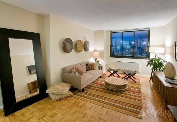 1 Bedroom, Roosevelt Island Rental in NYC for $3,000 - Photo 1