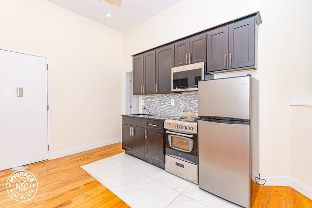 1 Bedroom, Crown Heights Rental in NYC for $1,677 - Photo 2